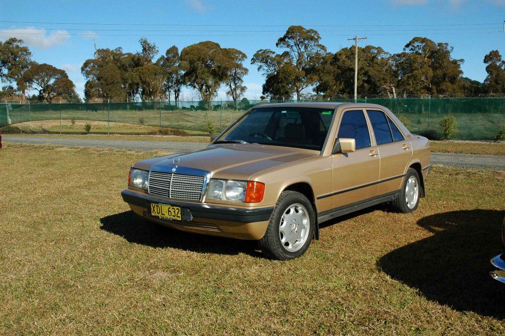 DSC_0489 1985 Mercedes Benz 190 E